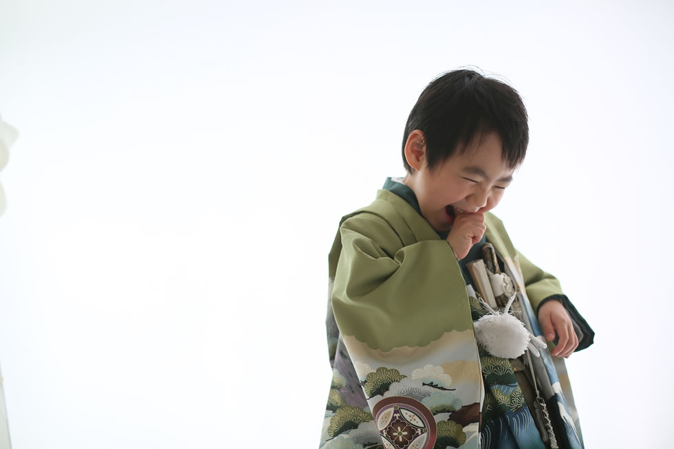 七五三男5歳5才紺色羽織袴畳イケメンかっこいい髪形